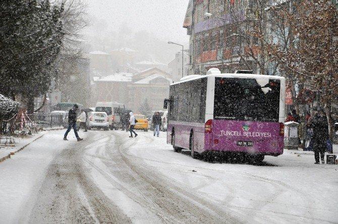 Tunceli'de 250 Köy Yolu Ulaşıma Kapandı