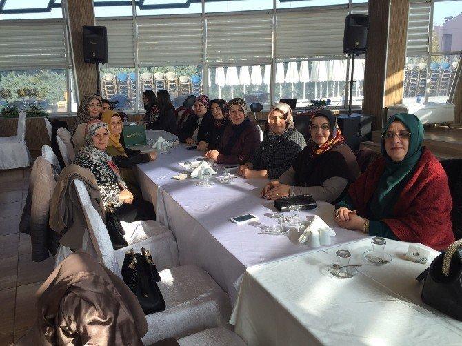 Van Kardelenler Derneği 'Barış' İçin Konya'da