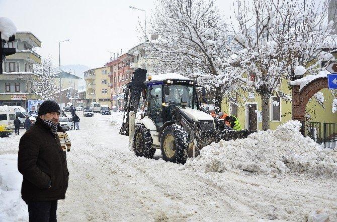 Karla Mücadelede 24 Saat Çalıştılar