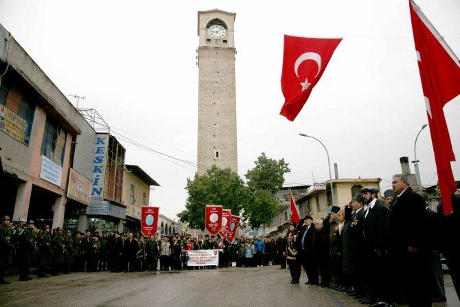 94. yılda bayrak gururu sürüyor