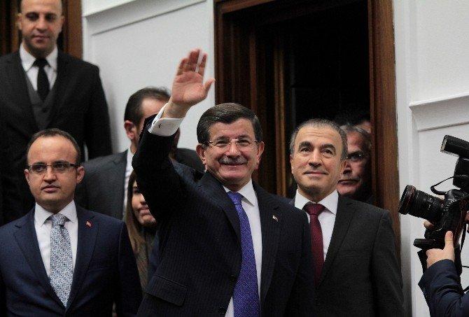 2016 Yılının İlk AK Parti Grup Toplantısı'nda 'Yeni Anayasa' Vurgusu
