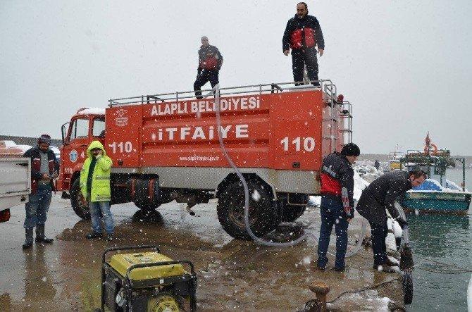 Alaplı Belediyesi Karla Mücadelede Bin Ton Deniz Suyu Kulandı