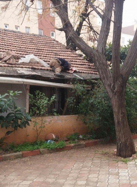 Evinin Çatısında Kalp Krizi Geçirerek Öldü