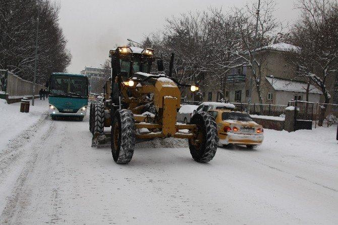 Bingöl'de Karla Mücadele Sürüyor
