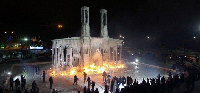 """Büyükşehir Ve A.ü.'den """"Çifte Minareler; Buz Ve Ateş"""" Sanat Etkinliği"""