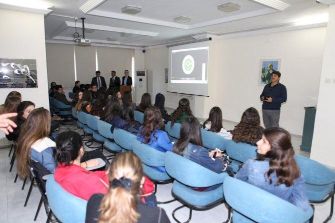 Mersinli lise öğrencileri Çukurova Üniversitesi'ni gezdi