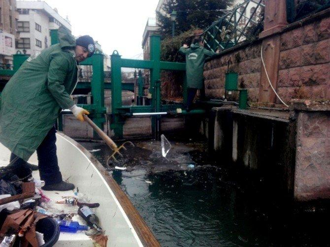 Porsuk Ekibinin Buzla Mücadelesi Bu Yıl Da Devam Ediyor