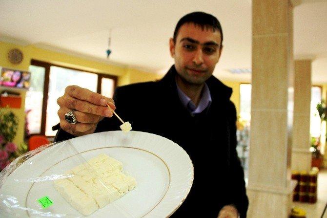 Ezineli Peynirciler Karardan Memnun