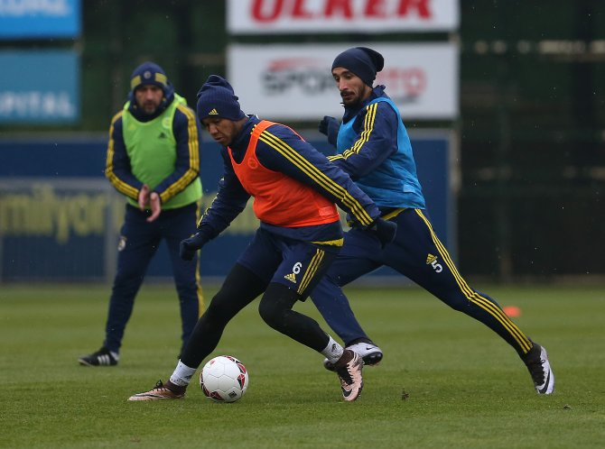 Fenerbahçe, ikinci yarı hazırlıklarını sürdürdü