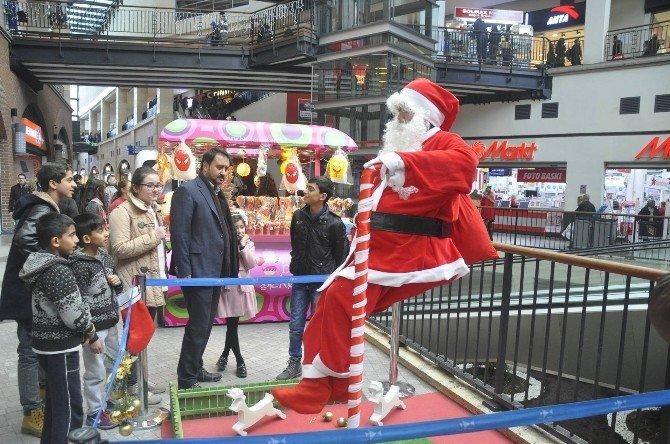 Forum Mersin'den 'Yeni Yıla Merhaba' Etkinliği