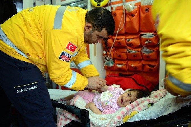 Hastalanan Bebeğin İmdadına Karla Mücadele Ekipleri Yetişti
