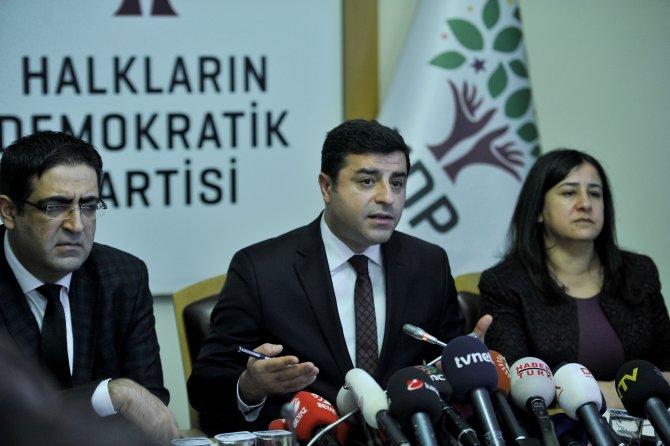 Demirtaş: Bize ayrımcı edayla, cüzzamlı muamalesi yaparak anayasa yapamazlar