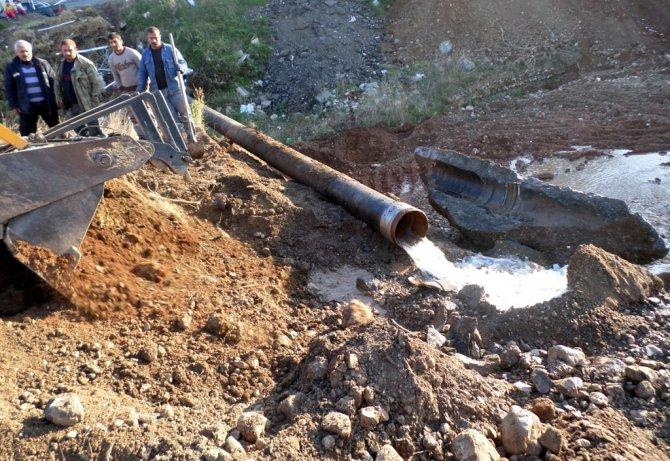 İçme suyu hattının eskiyen boruları yenileniyor