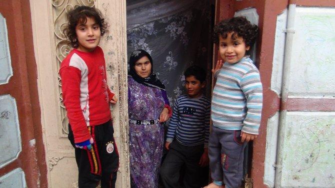 Kömür yardımı bekleyen aileler: Battaniyeyle ısınmaya çalışıyoruz