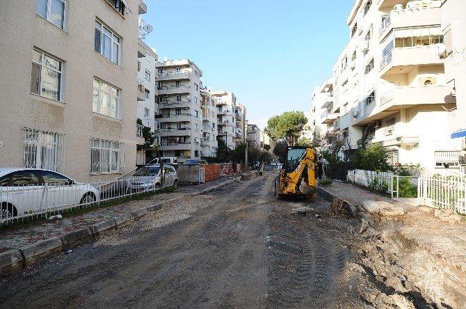 Karşıyaka Sokaklarına Modern Görünüm