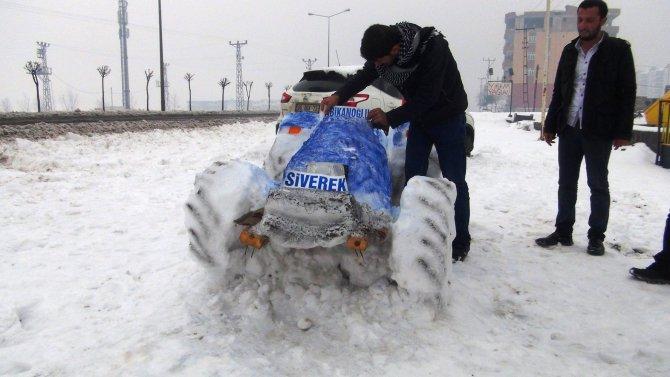 Kardan traktör ilgi çekiyor