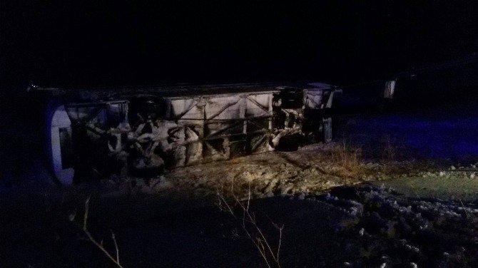 Kayseri'de Otobüs Şarampole Devrildi: 23 Yaralı