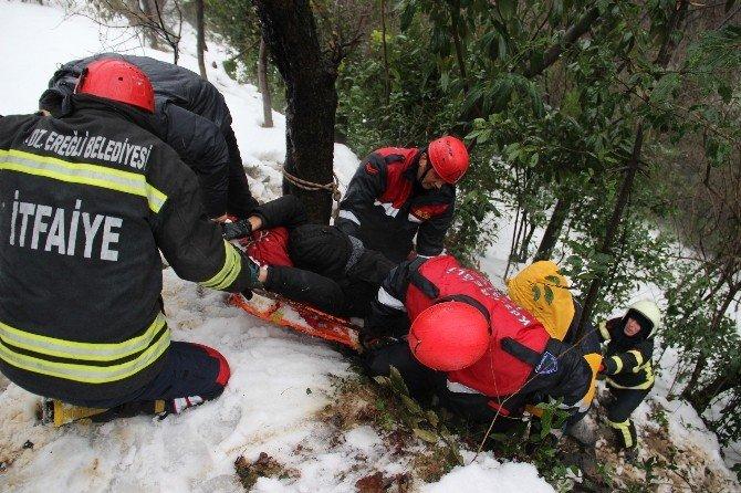 Yaralanan Avcı, İtfaiye Tarafından Güçlükle Kurtarıldı