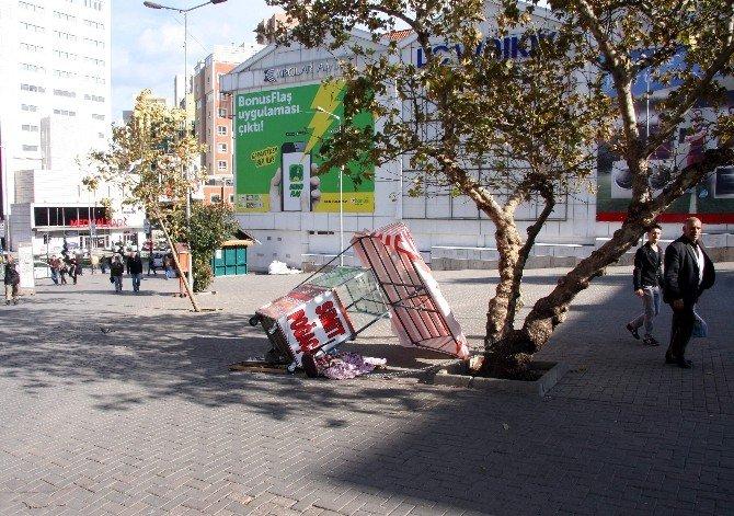 Bursa'da Lodos Hayatı Olumsuz Etkiledi...