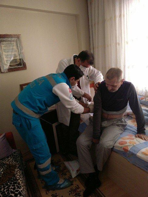 Hastalar Evlerinde Tedavi Ediliyor