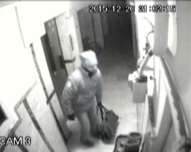 Ayakkabı Hırsızı Güvenlik Kamerasında