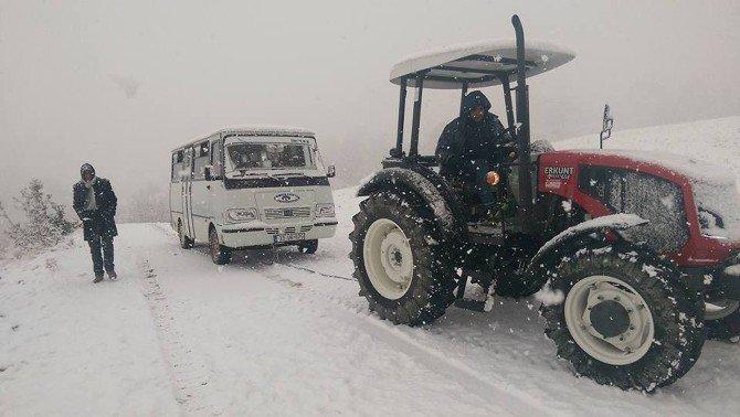 Mut'ta Kapanan Yollar Ulaşıma Açıldı