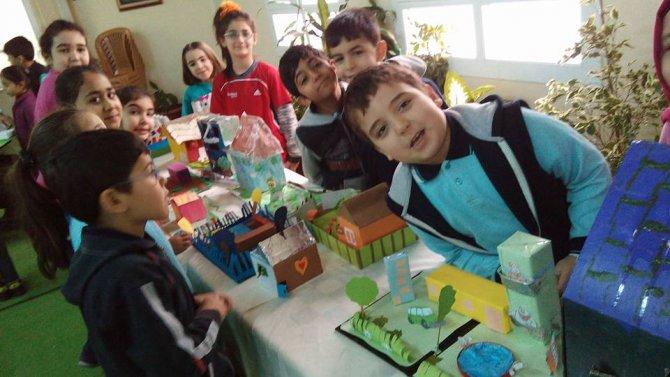 Öğrenciler, hayallerindeki evleri kendi elleri ile yaptı