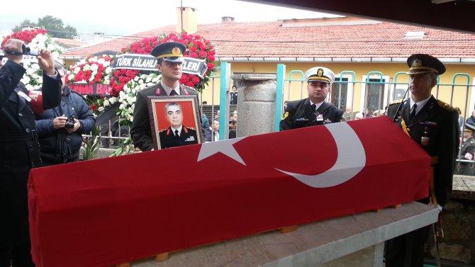 Sabri Yirmibeşoğlu Foça'da toprağa verildi
