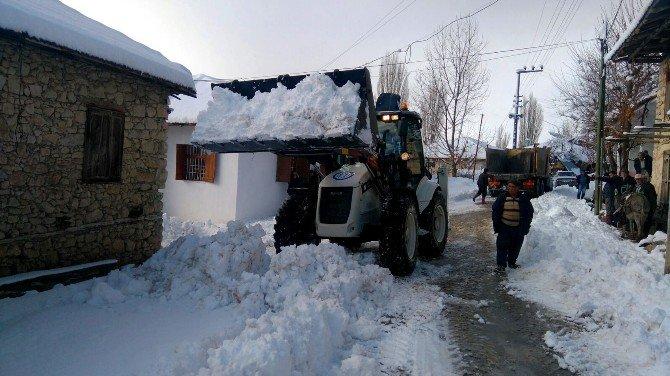 """Büyükşehir'in """"Kar Timleri"""" Mesaiye Başladı"""