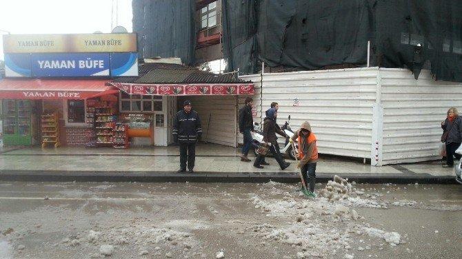 Sinop Belediyesi'nden Kar Temizleme Çalışması