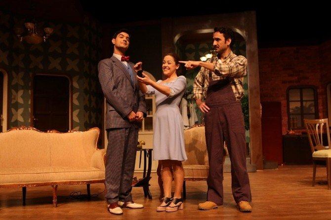 Sivas Devlet Tiyatrosu'nda 'Nikah Kağıdı' İzleyiciyle Buluşacak