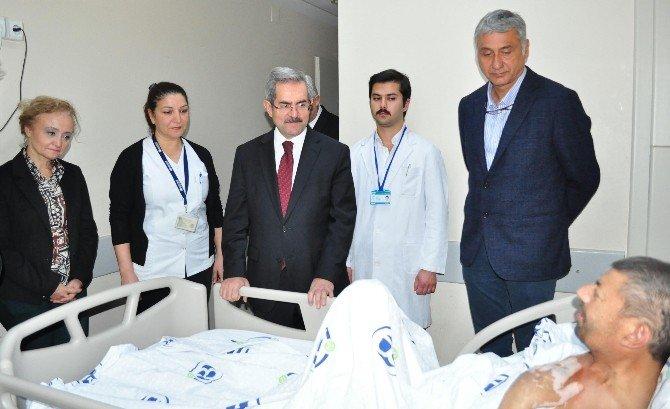 Ünüvar Diyarbakır'dan Getirilen Kanser Hastasını Ziyaret Etti
