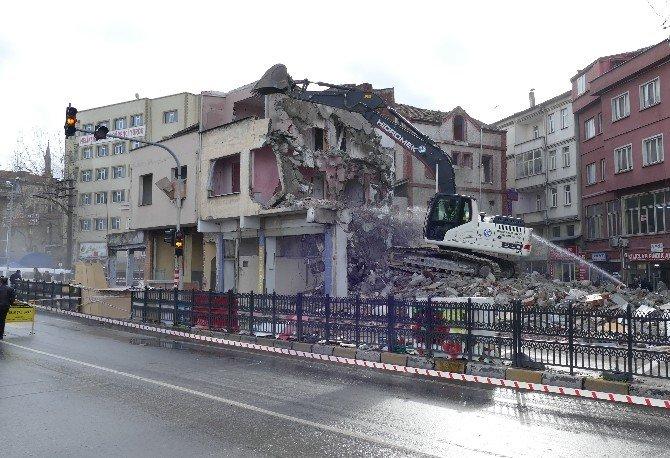 Tabakhane'de Yıkılan Bina Sayısı 460'a Ulaştı