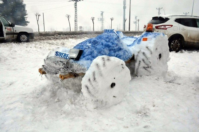 Traktör Satıcısı Kardan Traktör Yaptı