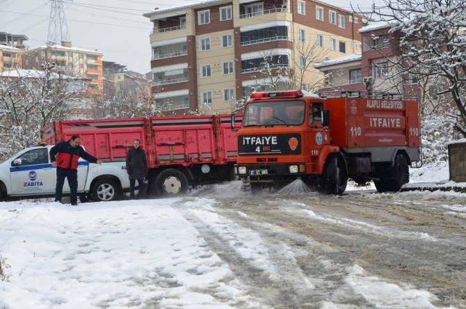 Karla mücadelede bin ton deniz suyu kullanıldı