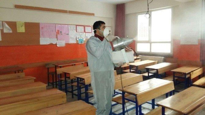 Antakya Belediyesi Ekipleri Okullarda