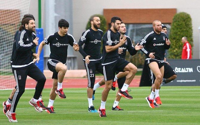 Beşiktaş, Antalya'da çalışmalarına devam etti
