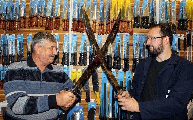 Ertuğrul Kılıçları Yok Satıyor