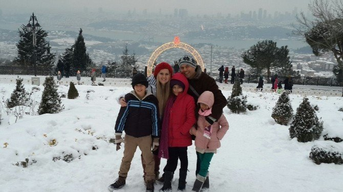 Başarılı Öğrenciler İstanbul Turuyla Ödüllendirildi