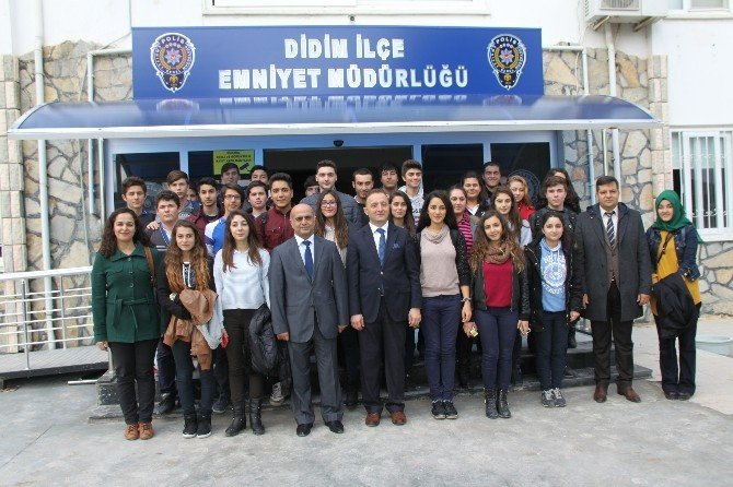 Geleceğin Polis Adaylarından İlçe Emniyet Müdürlüğü'ne Ziyaret