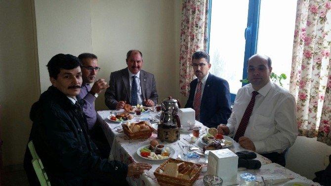 Din-bir-sen Üyeleri Kahvaltıda Bir Araya Geldi