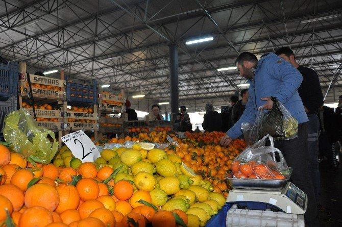 Milas'ta Soğuk Hava Pazarı Vurdu