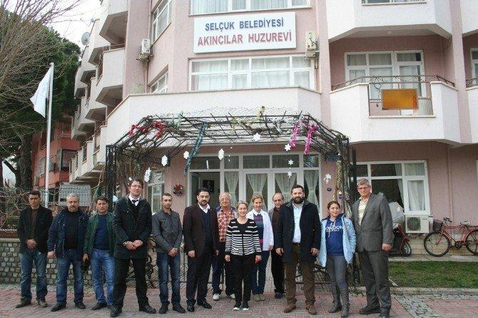 Anadolu Selçuklu Ocaklarından Huzurevine Sürpriz Ziyaret