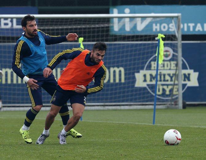 Fenerbahçe, ikinci yarı hazırlıklarına Can Bartu'da devam ediyor