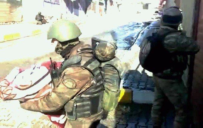 Silopi'de Terör Mağdurlarına Ateş Altında Tahliye