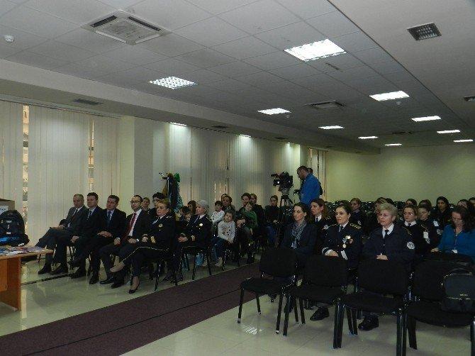 TİKA Kosovalı Polis Çocuklarını Sevindirdi