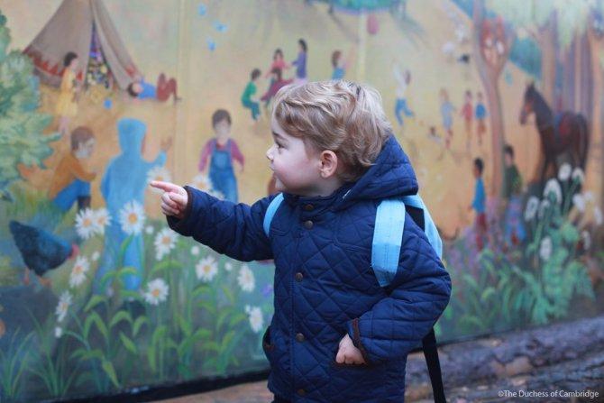 Küçük Prens George'un okuldaki ilk gününün fotoğrafları yayınlandı