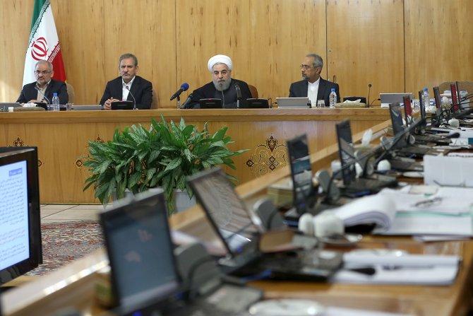 Ruhani, Suudi elçiliğine saldıranların hemen yargılanmasını istedi