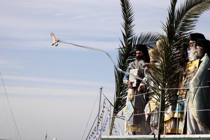Atina'da 6 Ocak vaftiz yortusu kutlandı