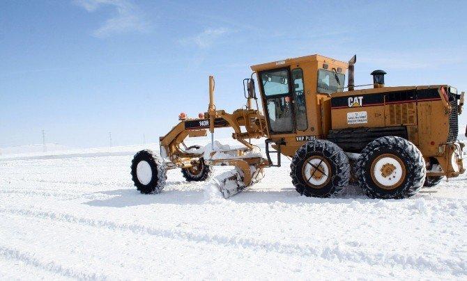 Kars'ta 24 Köy Yolu Ulaşıma Kapalı